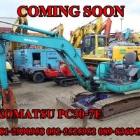 KOMATSU PC30-7E